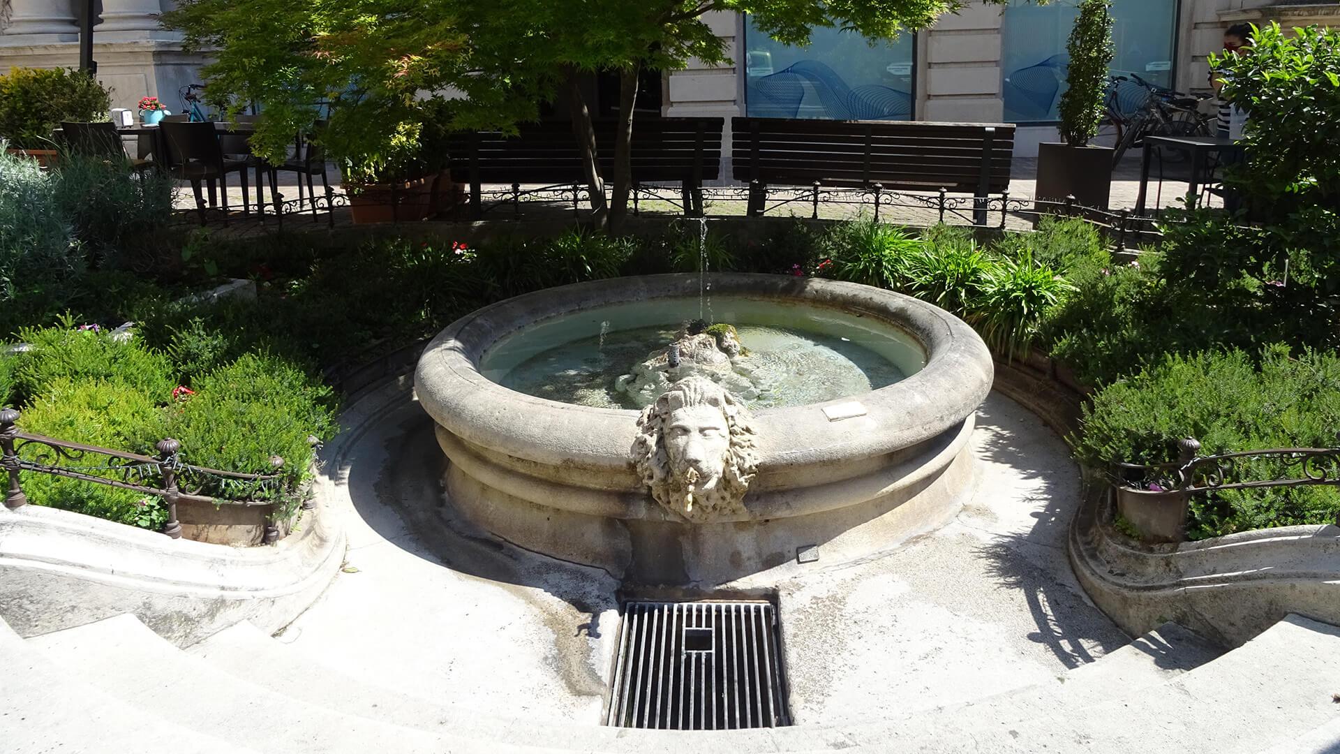 Piazza-Crispi-Hesperia-3